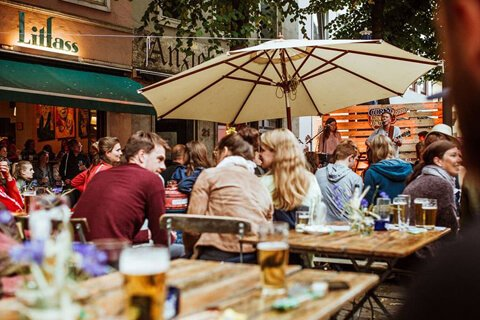 jung und billig werbeagentur litfass bar gallerie4 - Litfass Bremen